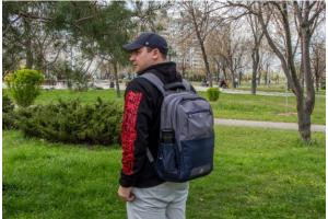 Обзор рюкзака RIVACASE 8069 - для огромных ноутбуков и не только!
